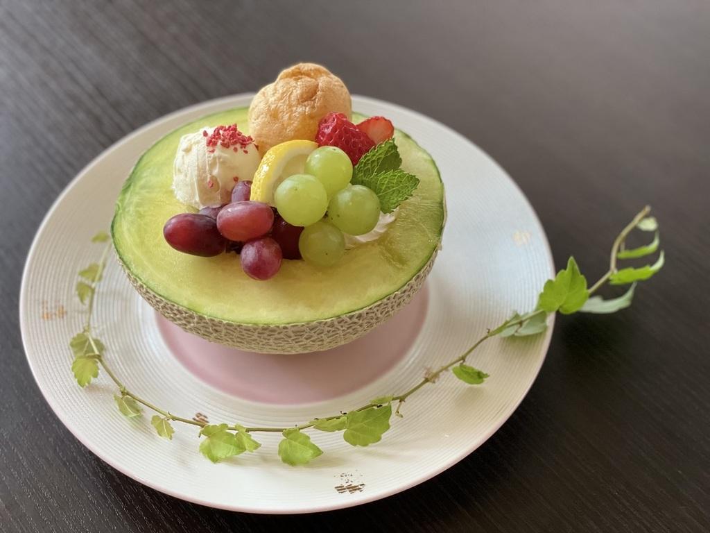 京丹後産メロンを使用!上品な甘さでメロン好きにはたまらな〜い[一例]