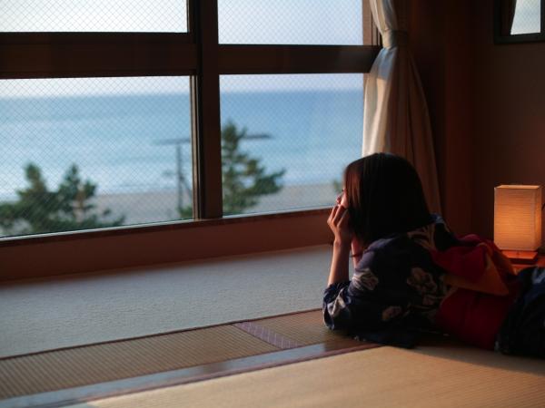 シーズンラストスパート!【選べる客室】日本海を一望する海側客室 [一例]
