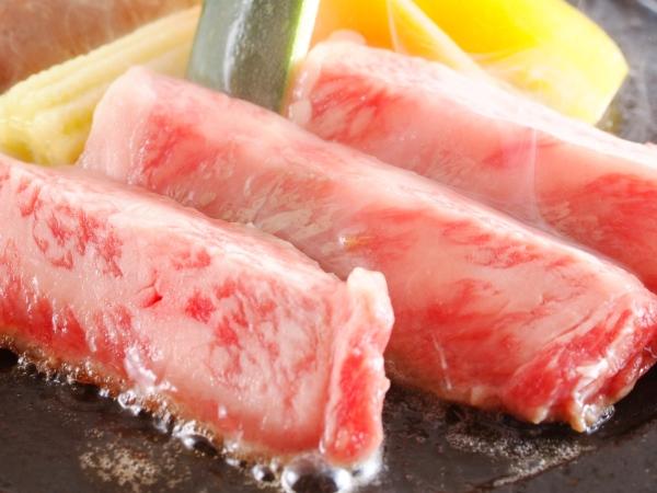 焼き立てジューシーな黒毛和牛ステーキ 蟹もいいけどお肉もね[一例]