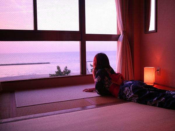 海も夕日もお部屋から独占!海側客室 [一例]