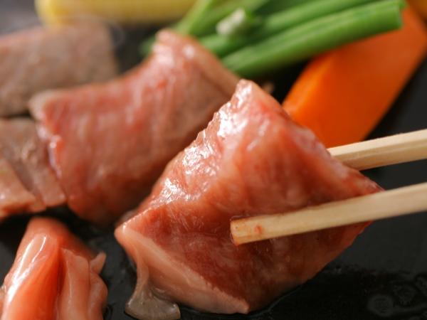 魚魚会席にジューシーな黒毛和牛ステーキ付き[一例]