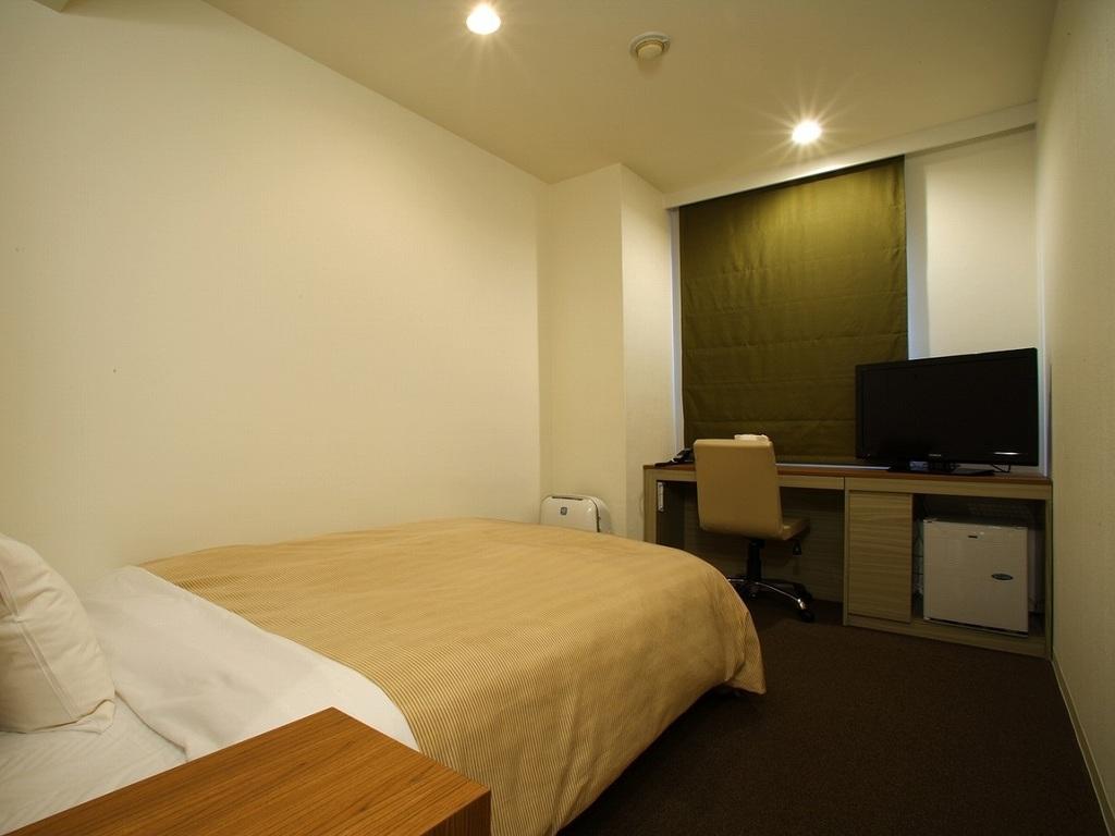 お部屋は狭いけどリーズナブルなシングルB。部屋の形はそれぞれ異なります。映画150ch終日見放題