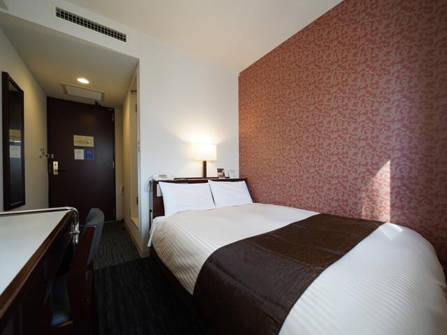 最上階シングルルーム(広さ12�u/ベッド幅120cm×1基)◆シモンズベッドで上質の眠りをお楽しみください。