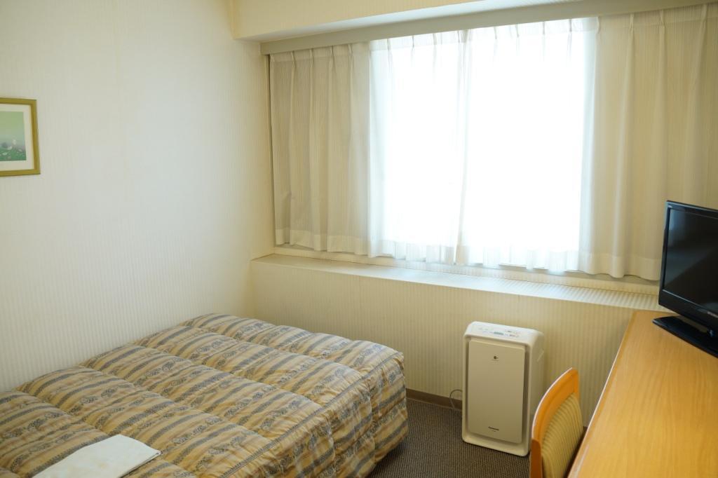 シングルルーム(13.7�u) ベッド幅は120cm