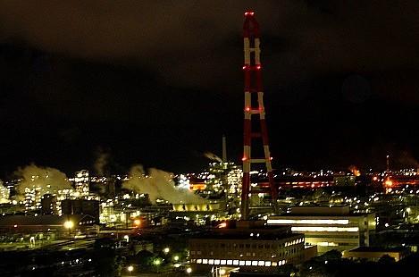 幻想的工場夜景