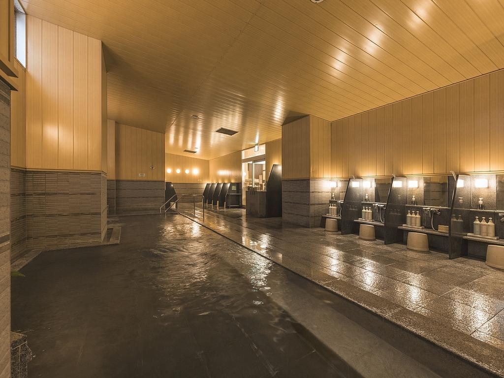 新館2階大浴場 15:00〜深夜1:00(最終入場24:30)までと翌6:00〜10:00まで。