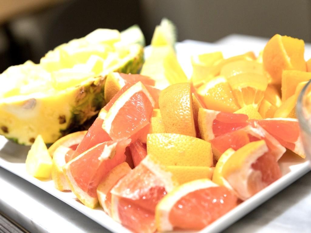 パイナップル、オレンジ、グレープフルーツ等