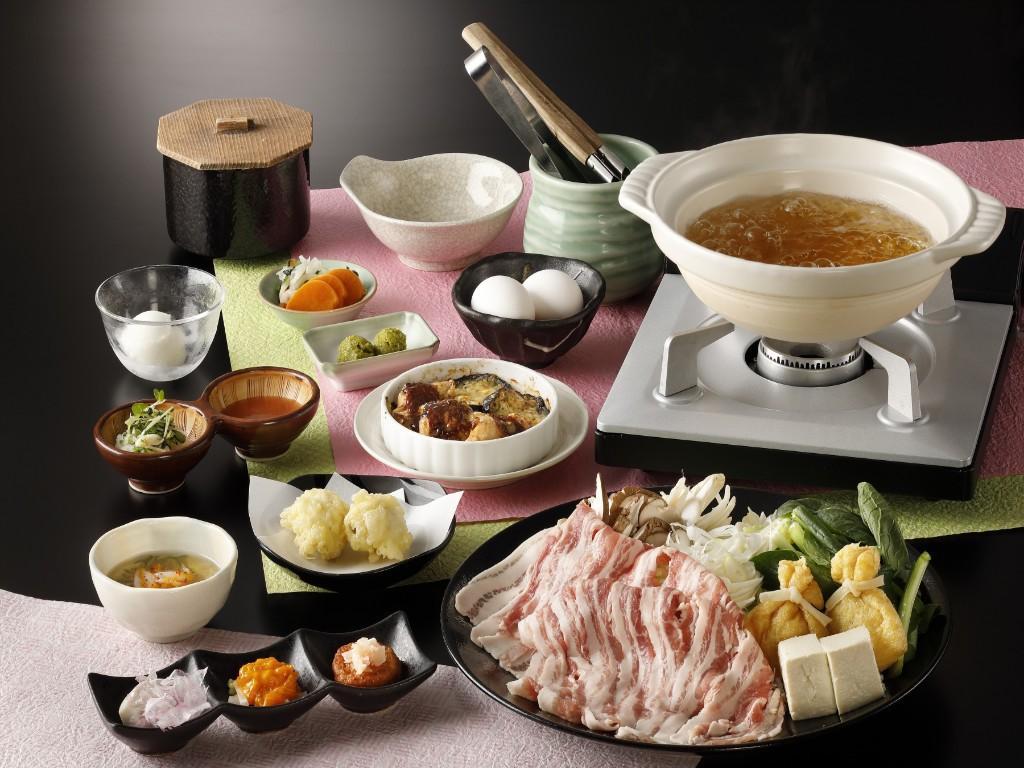 美味出汁で食べる新感覚の国産豚しゃぶしゃぶコース