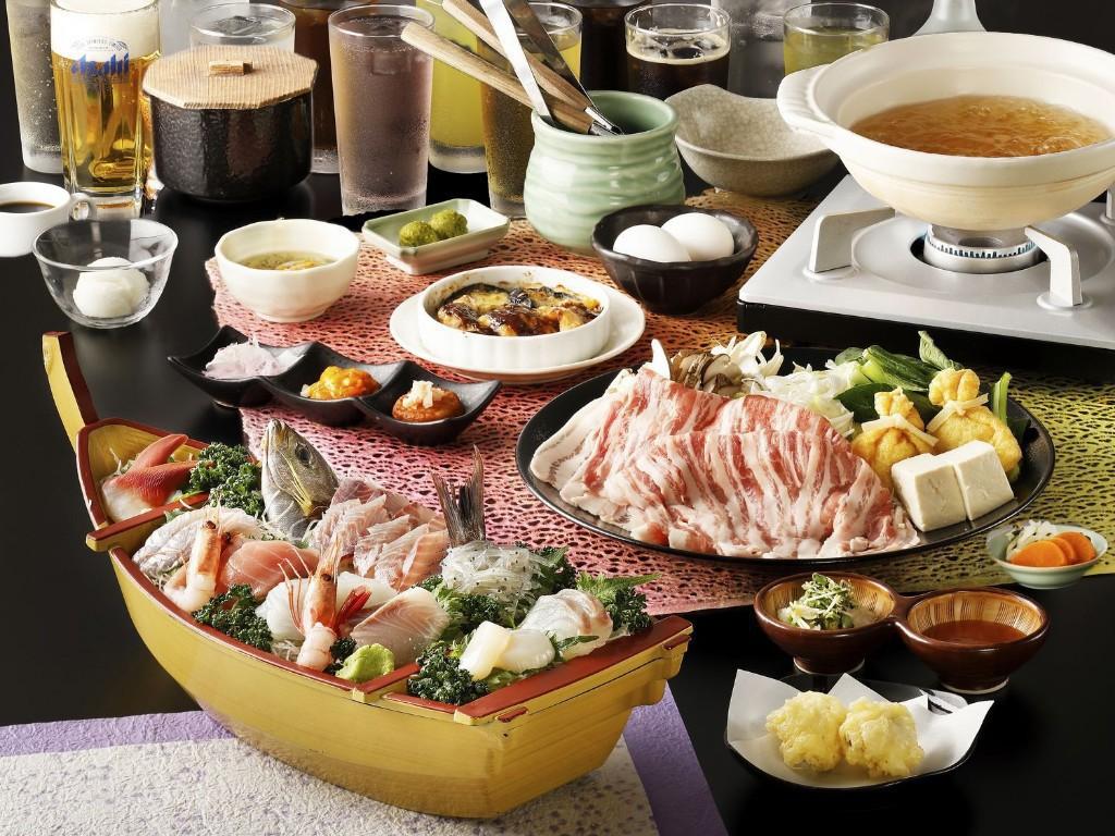 豪華海の幸満載の舟盛り&夕食時飲み放題付き!美味出汁で食べる新感覚の国産豚しゃぶしゃぶコース