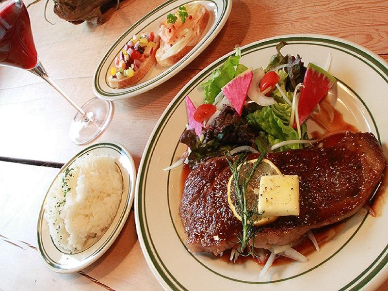 8LOUNGE DINNER