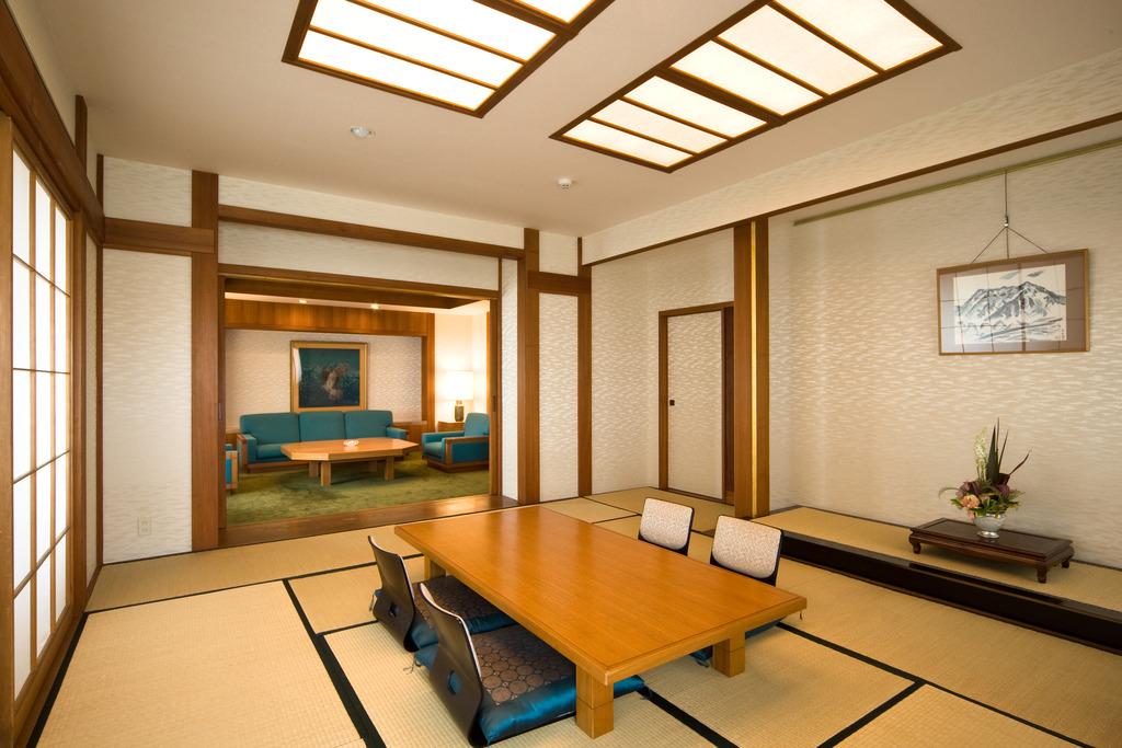 和室特別室(601号室・エレベーターは5階までです)