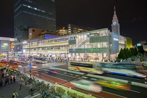 バスタ新宿 夜