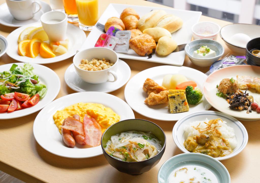 朝食(例):和洋エスニックブッフェ