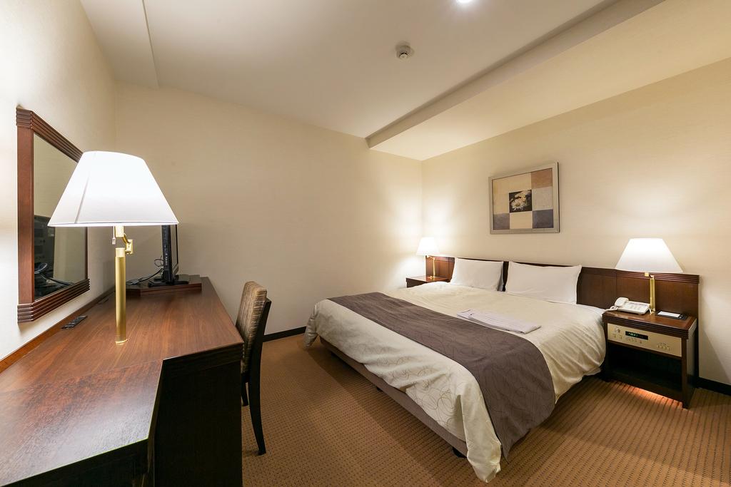 ダブル 20.7平米 ベッド幅160センチ
