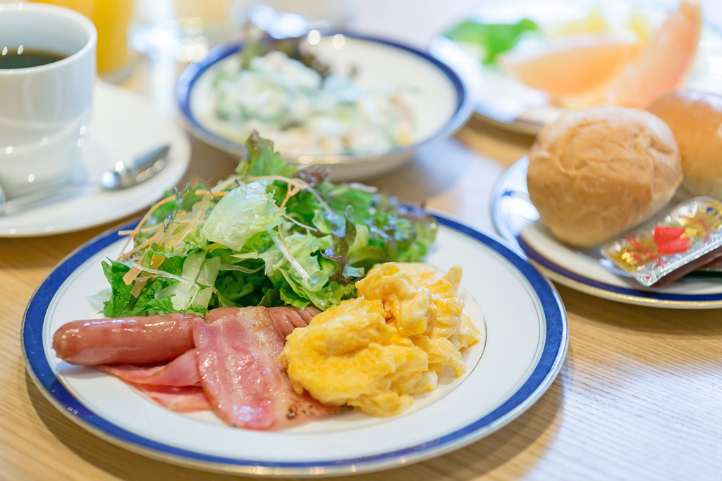 和洋朝食ブッフェ 洋食盛り付け例