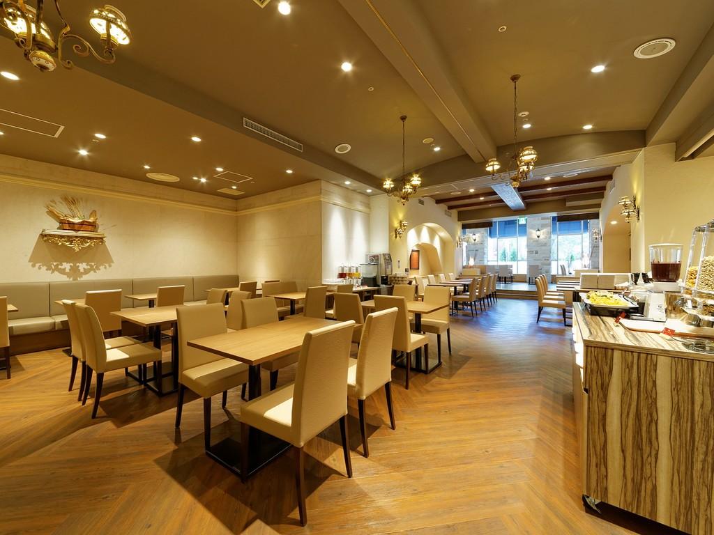 朝食会場は1階レストラン「ル・ミストラル」<br>和洋バイキングをご用意しております