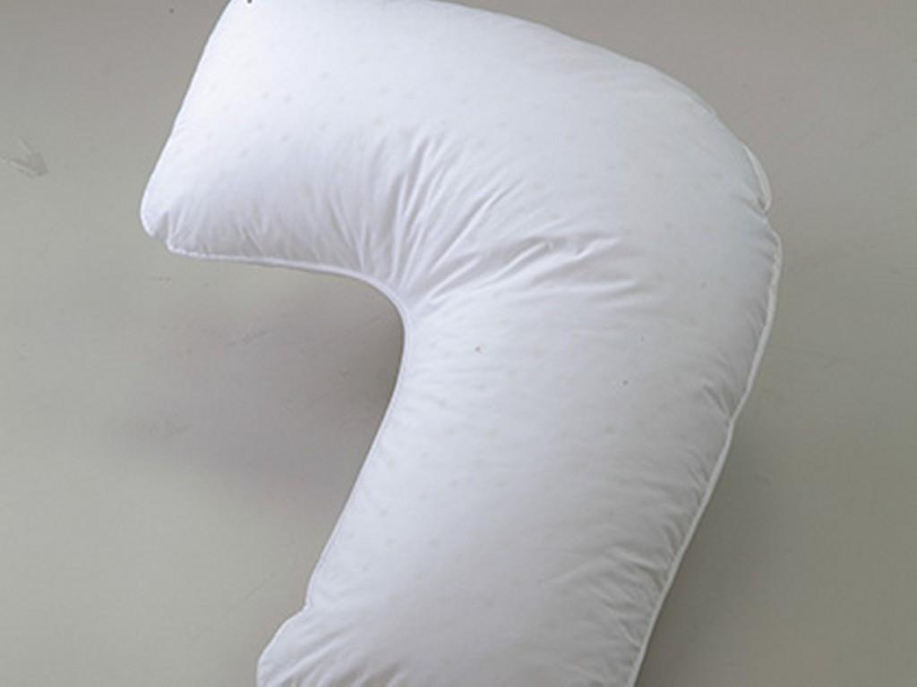 枕が背中面をサポートし、脱力した状態で<br>横向きを保持できるサイドウェイズ枕