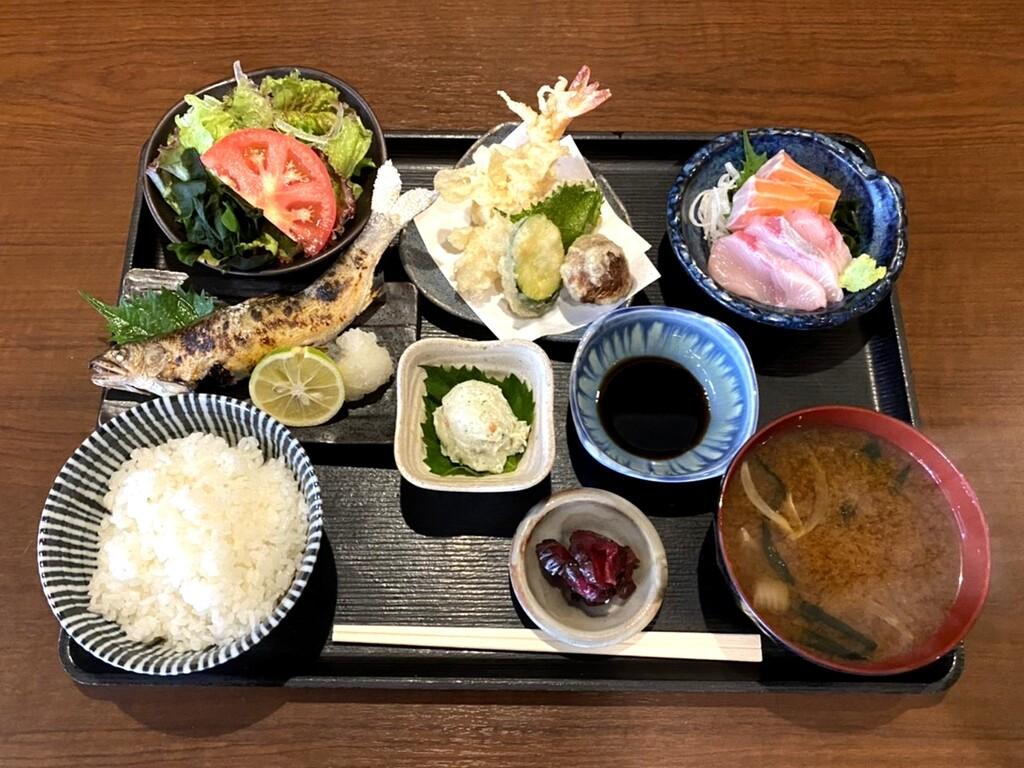 新鮮な魚介や野菜が自慢の「いち膳」<br>ホテルから歩いてすぐのお店です
