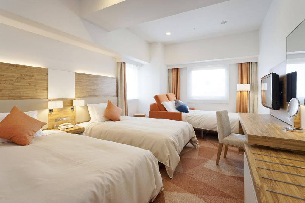 デラックスツイン ハウザーベッド付。ベッド1台はハウザーベッド(幅950mm×長さ1,700mm)で小さめサイズです。