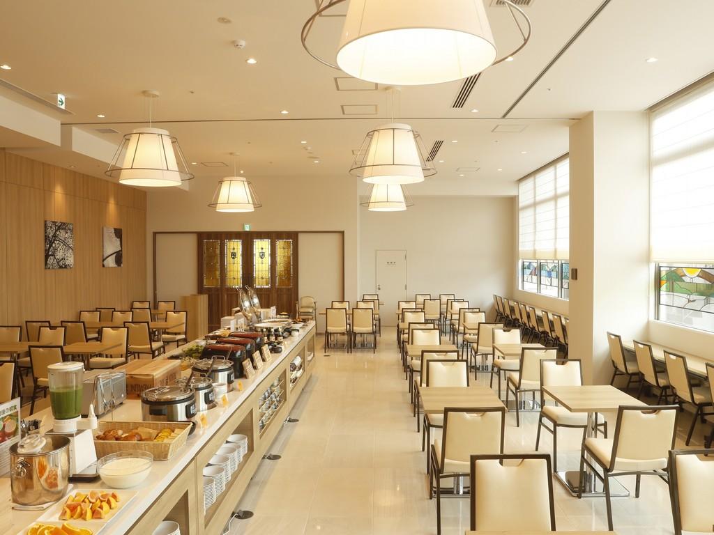 朝食会場は1階レストラン「Abbey」<br>和洋バイキングをご用意しております