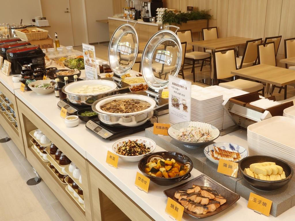朝食はこだわりの和洋バイキング<br>神戸名物「ぼっかけ」がイチオシメニューです
