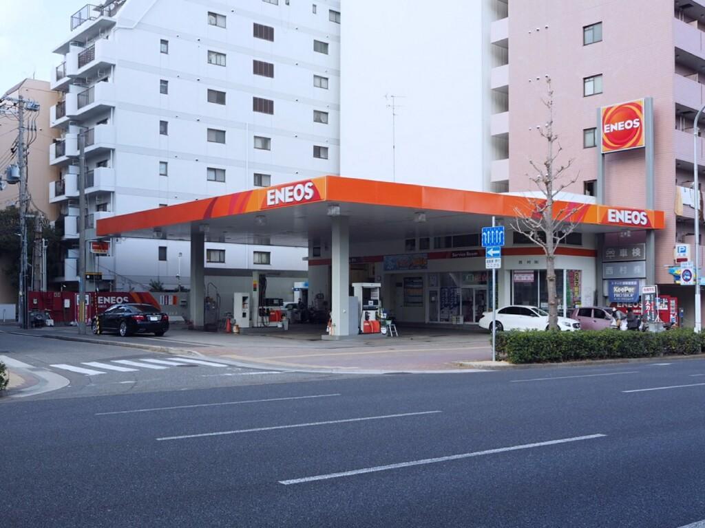 ホテル近隣のガソリンスタンドで<br>ご利用いただける給油券付きプランです!