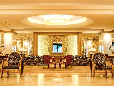 「イタリアの貴族の邸宅」をモチーフとした上質で華やかな空間