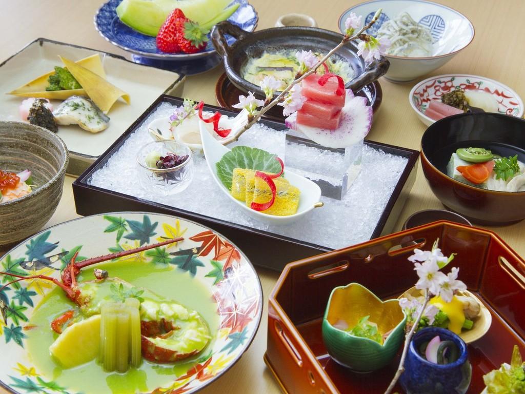 京都から取り寄せた京野菜を存分に使用した、 銀明翠の京会席を心ゆくまでお愉しみください。