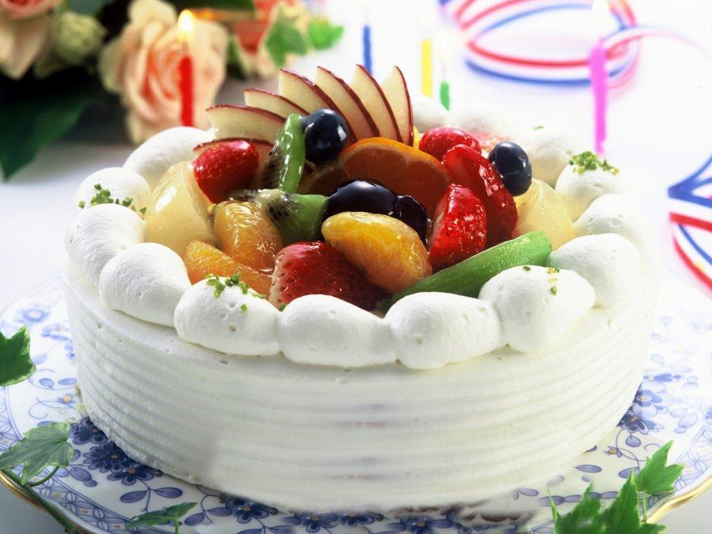 パティシエ特製ホールケーキ