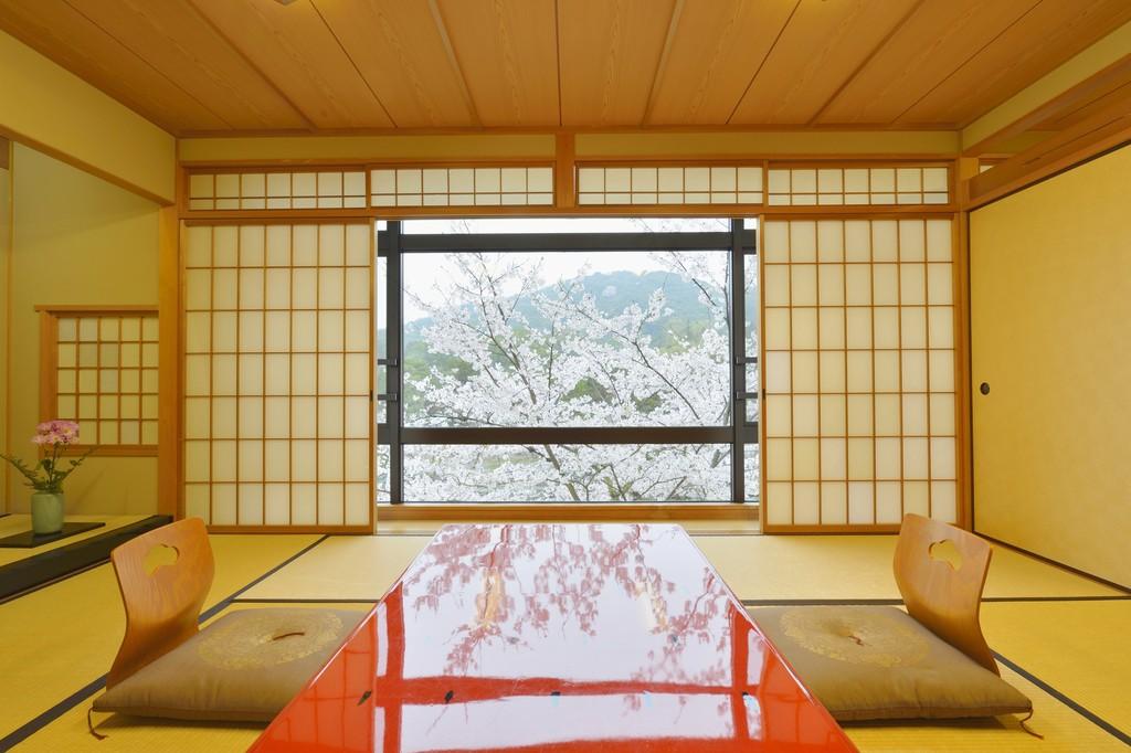客室眺望一例(春の桜)