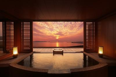 貸切露天風呂(無料:チェックイン時に予約可)※景色は季節や天候により変わります。