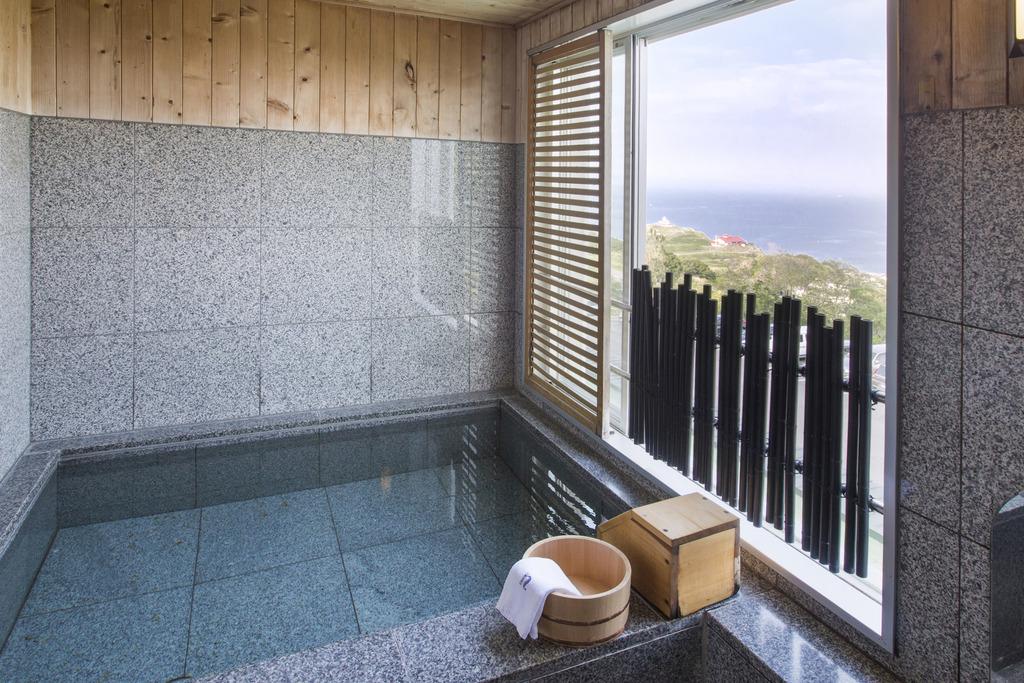 ツインルームBの露天風呂