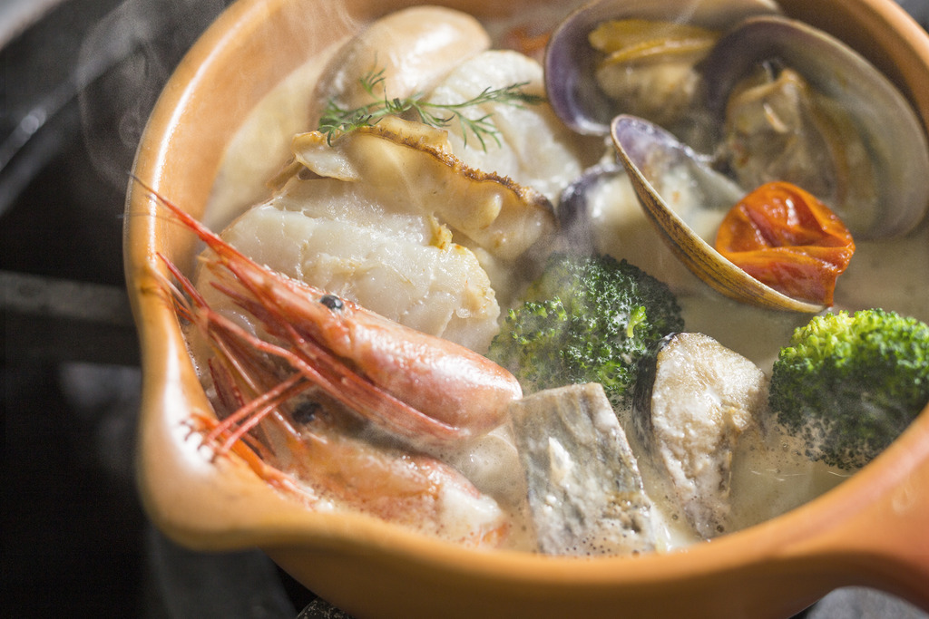 魚介の旨みたっぷり洋風鍋です