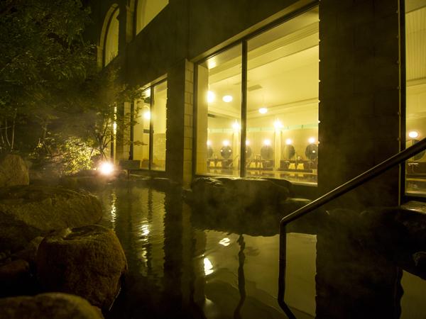 天然温泉「琴乃湯」露天風呂