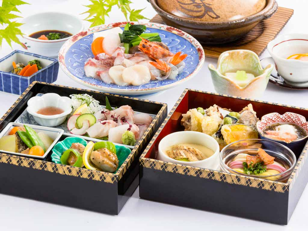 日本料理「さくら」夏の旬菜箱と「豚しゃぶ」・「海鮮しゃぶ」