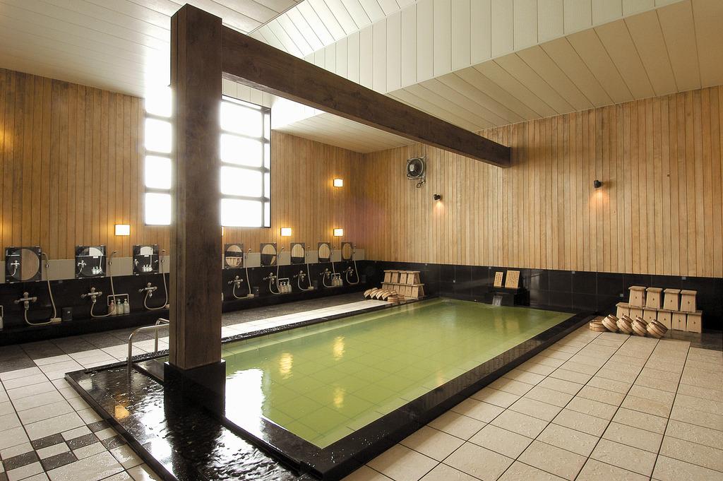 【温泉 弐の湯】自然源泉の天然温泉。その湯は関節痛・筋肉痛にと効能を実感頂けます。