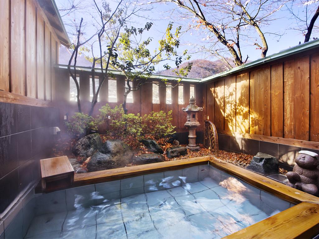 リピーターさまに人気の貸切露天風呂は、全部で3種。空いていれば「無料」で「何度でも」◎