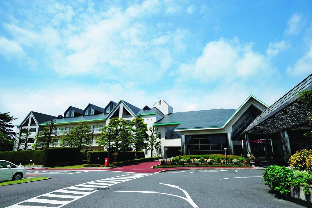 Hotel Reception / Main Wing