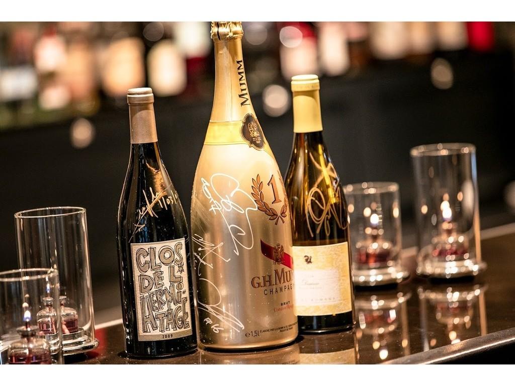 ソムリエが選び抜いた偉大なワインと歴史を語る世界の銘酒