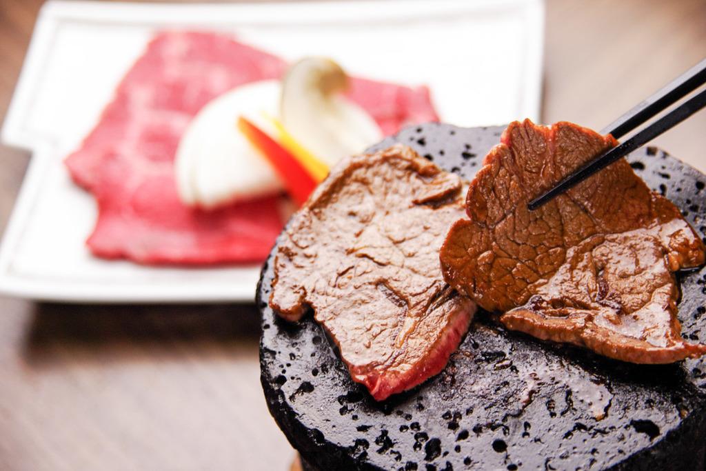 熟成牛肉の溶岩焼(イメージ)