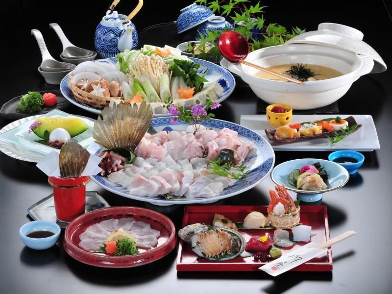 2017天然クエ鍋(クエ身と鍋野菜は4名盛)