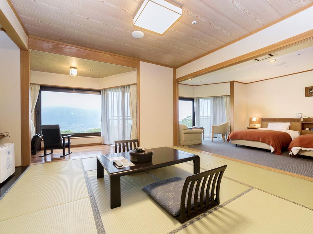 本館 和洋室 2ベッド+8畳