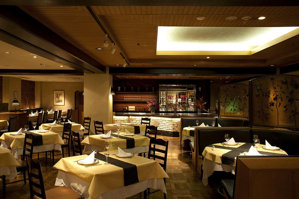 地下一階 パーティ&レストラン フォーシーズン