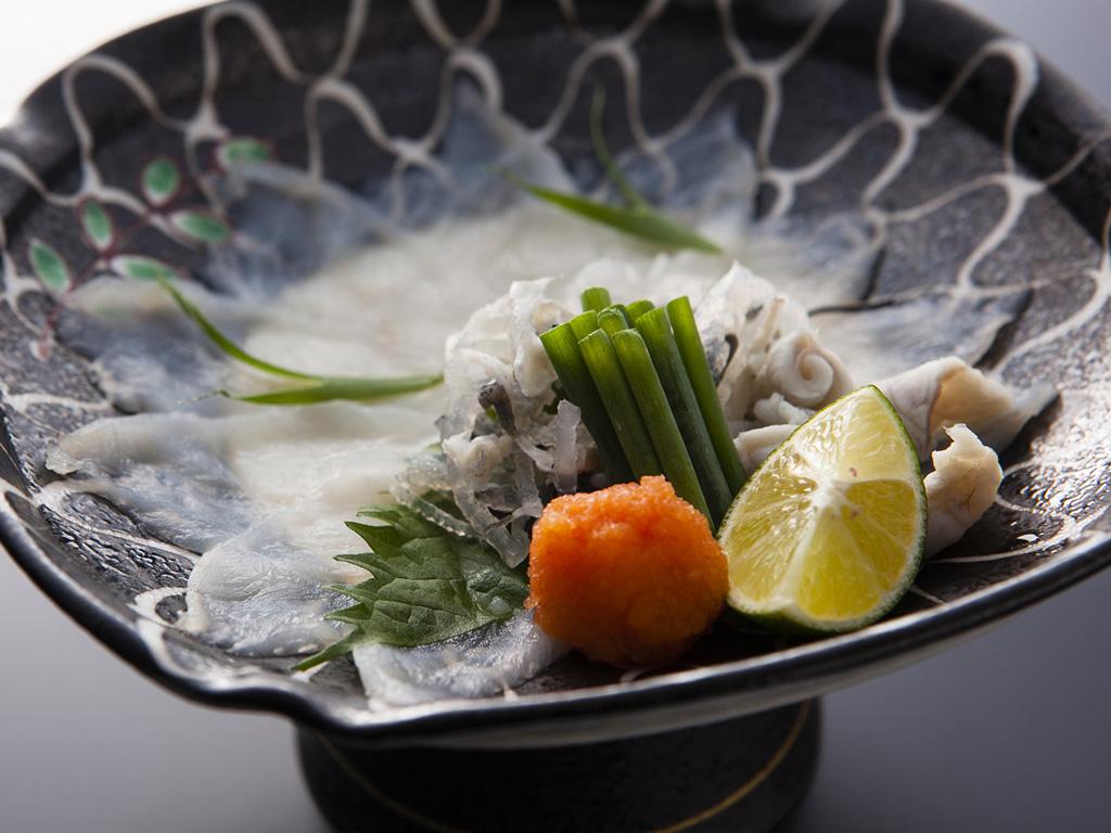 料理人の技が光る「淡路島3年とらふぐてっさ」をぜひお召し上がり下さい≪料理イメージ≫