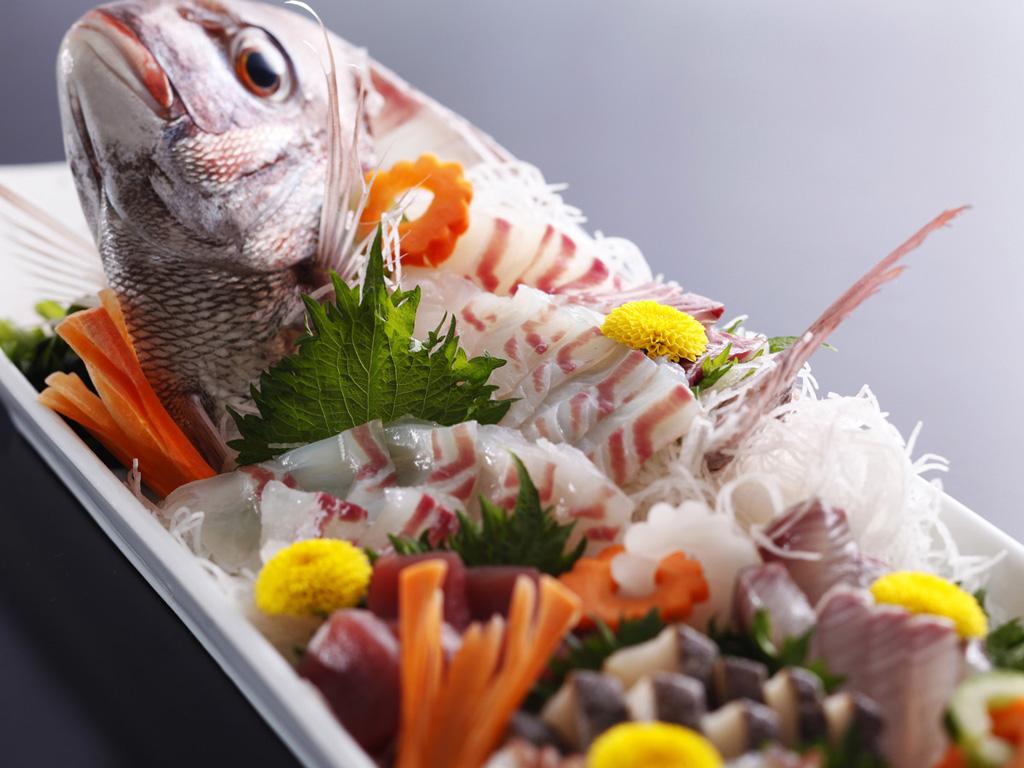 コクのある上質な脂と旨みをまとった真鯛の姿造り≪料理イメージ≫