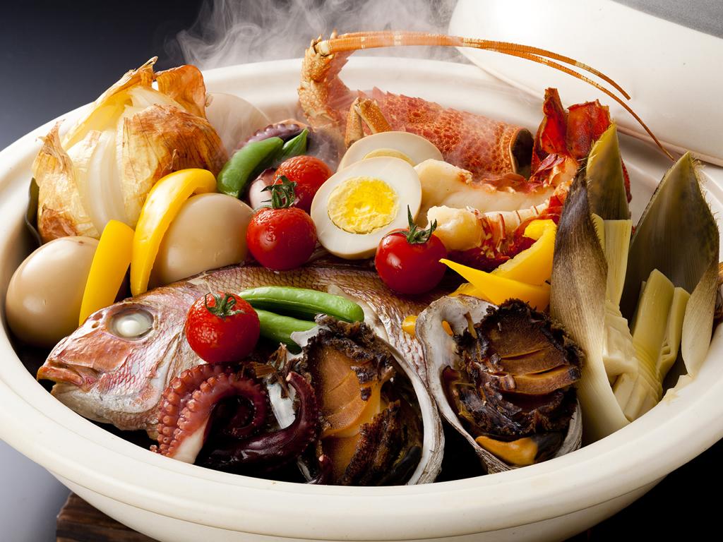 鯛や海老・鮑が入った「特選 宝楽焼」はボリュームも満点≪料理イメージ≫
