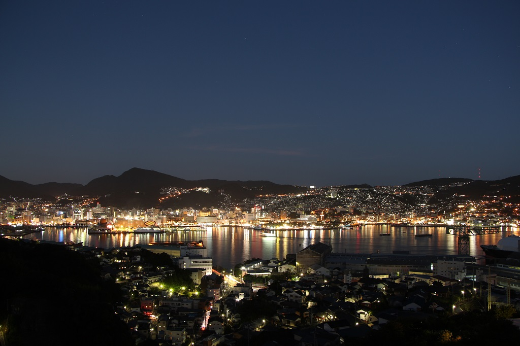 ホテルからの夜景(イメージ)