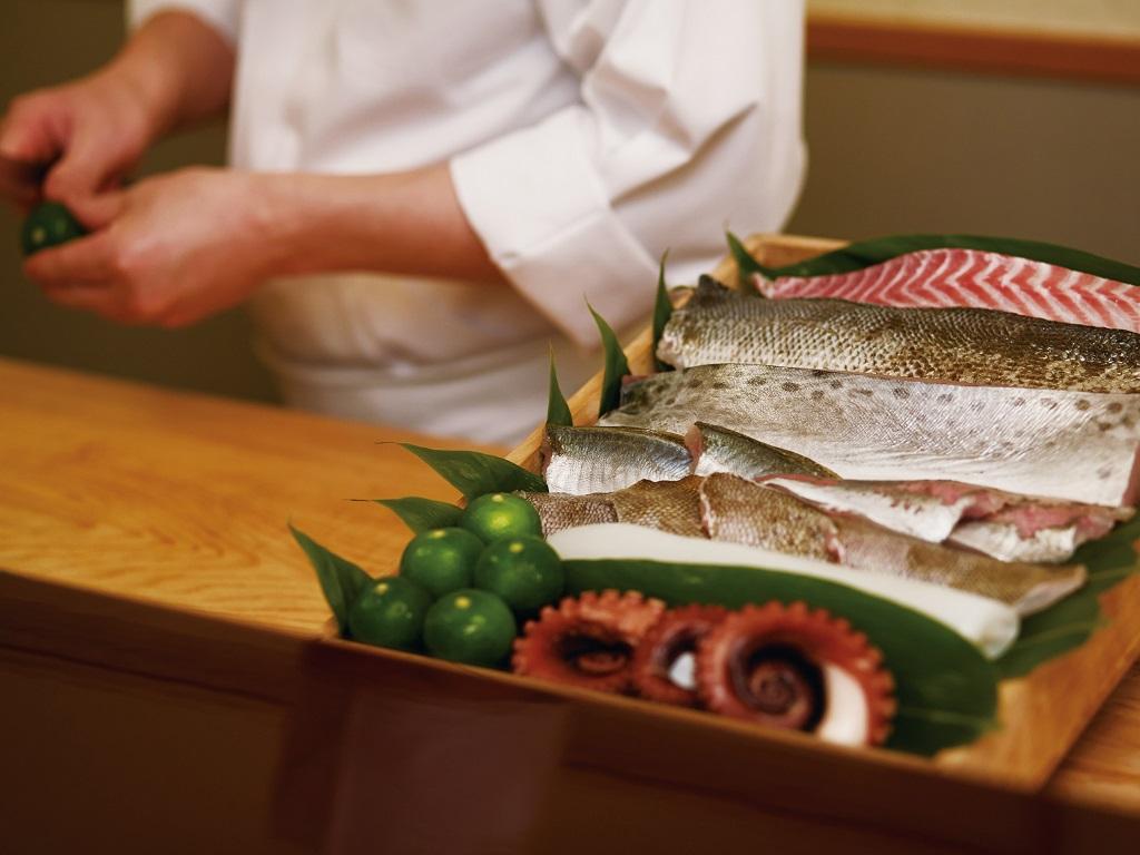 淡路島の厳選素材を味わう<br>おまかせ握り鮨コース