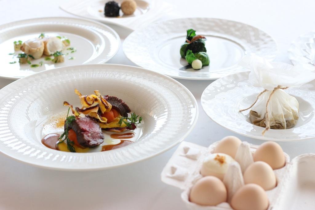 四季折々の素材を愉しむ創作料理は<br>フレンチ、または日本料理から。