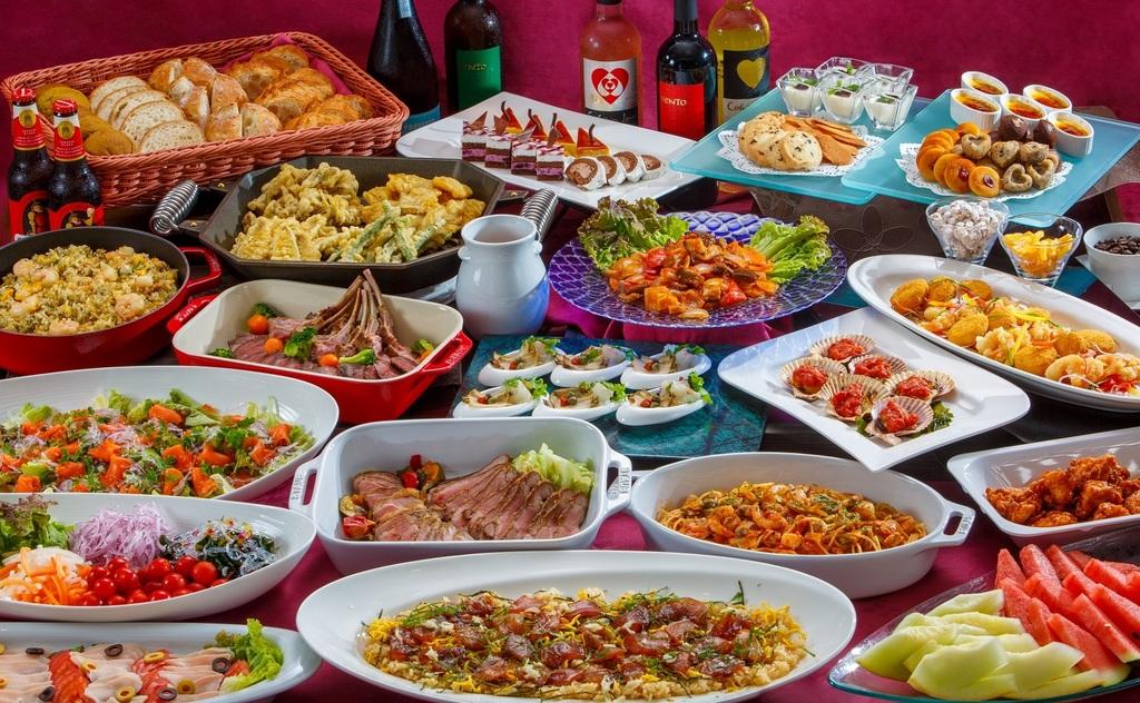 レストラン・アスールの夕食ブッフェ